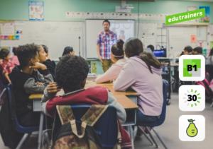 Een klas vol studenten werken aan hun digitale vaardigheden